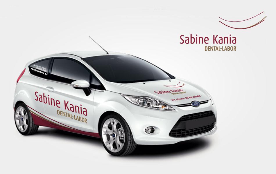 Autobeschriftung für Kurierfahrzeige des Zittauer Dentallabors um Sabine Kania